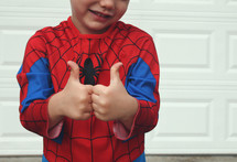 Spiderman with two thumbs up