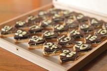 sweet hearts Advent calendar with 25 chocolate marzipan hearts