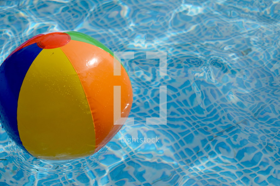 beach ball in a pool, relax in the pool,  relax, pool, sunshine, summertime, summer, fun, free, holiday, weekend, free time, water, fresh, ball, play, cool, refresh, refreshing, heat, hot, warm, warmth, vacation, break, chill, easy, happy, joy, swim, swimming, playing, child, children, kid, kids, holidays, sun, sunshine, heat