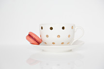 macaroon and tea cup
