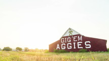 Timelapse of Aggie barn at sunrise.