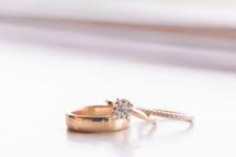 gold wedding bands and diamond ring