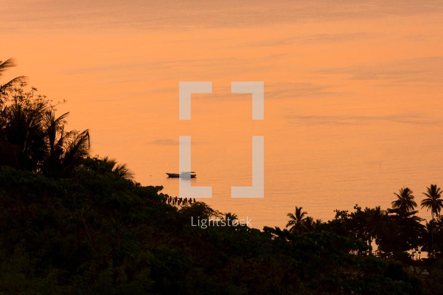 Luwuk Sunrise - Trip to Makassar and drive to Rantepao