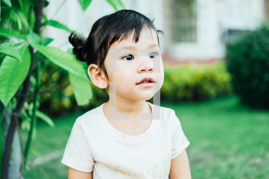 bright eyed little girl