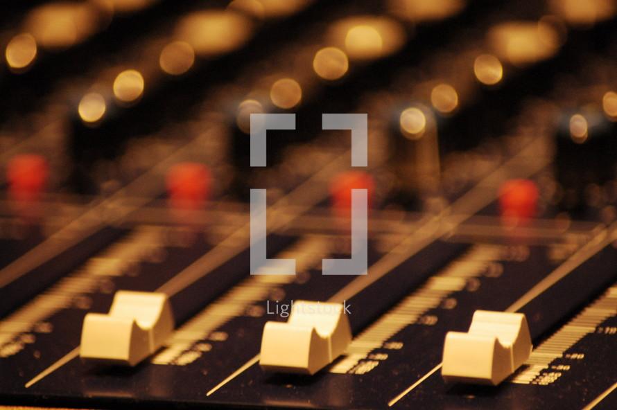 Soundboard dials