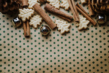 Christmas tree cookies and cinnamon sticks border