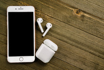iPhone and wireless EarPods