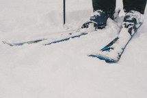 snow on skis