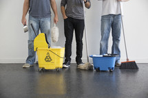 volunteers ready to clean