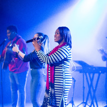 worship leaders singing