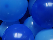 blue balloons for a party