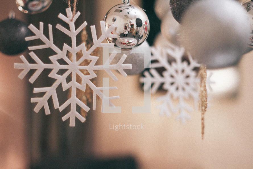 hanging snowflake Christmas ornaments