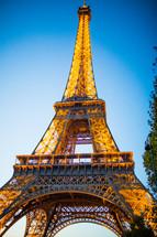 golden sunlight on the Eiffel Tower