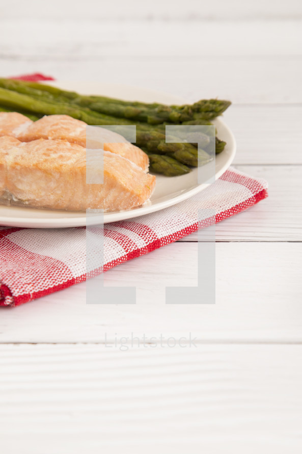 Simple Cooked Salmon Slices and Asparagus Spears