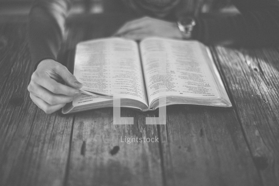 A woman reading her Bible