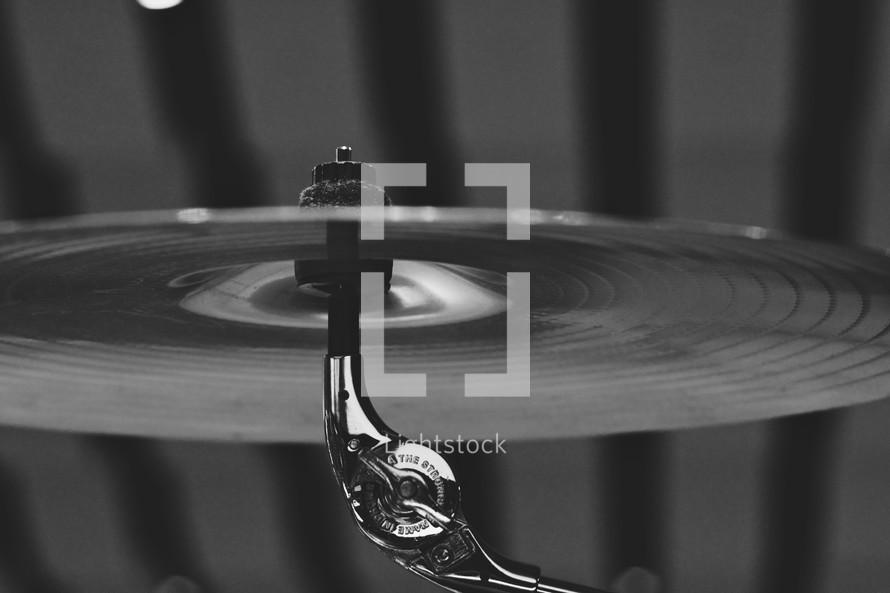 Hi-hat cymbal