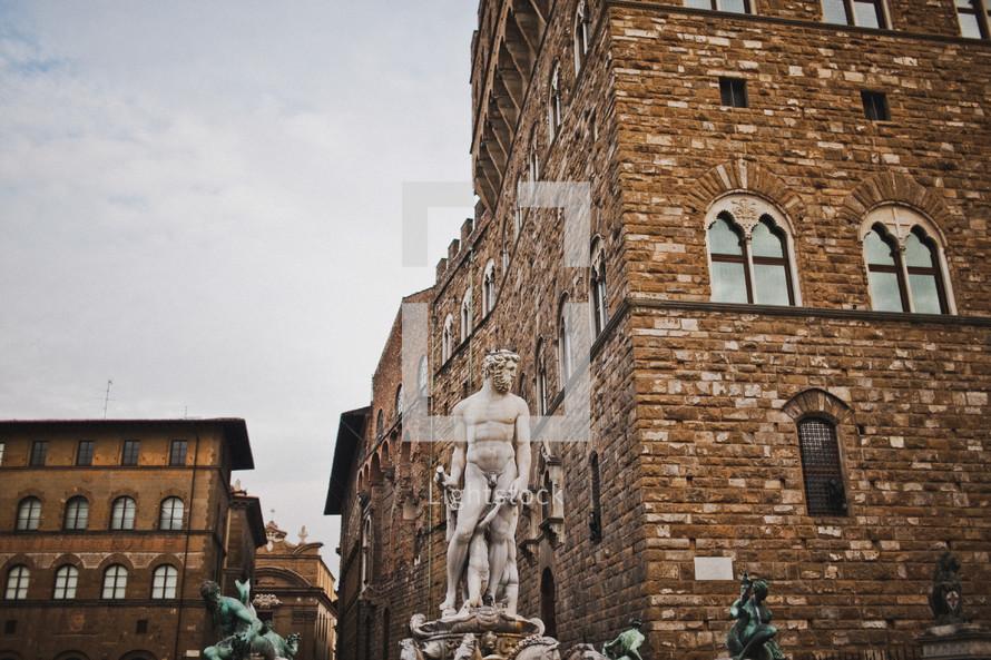 fountain statue of David -  Fontana del Nettuno (giuronzi)