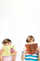 kids reading Bibles
