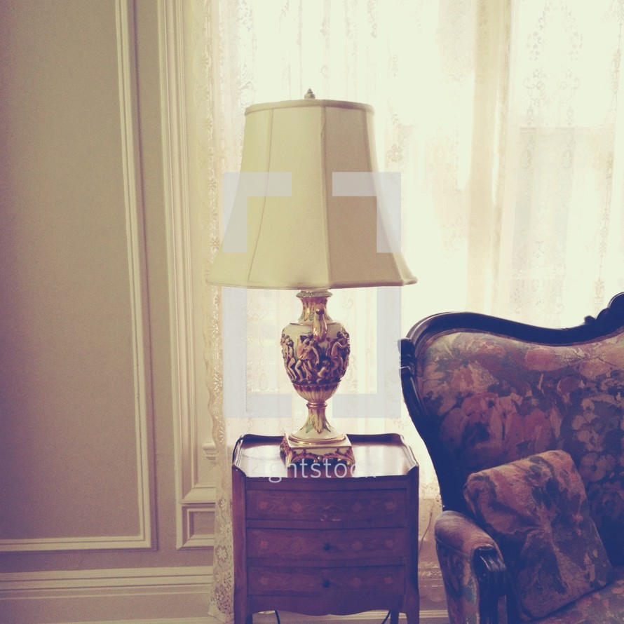 Light lamp on end table