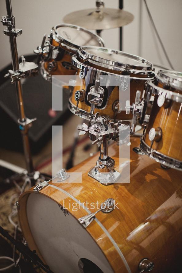 A drum set