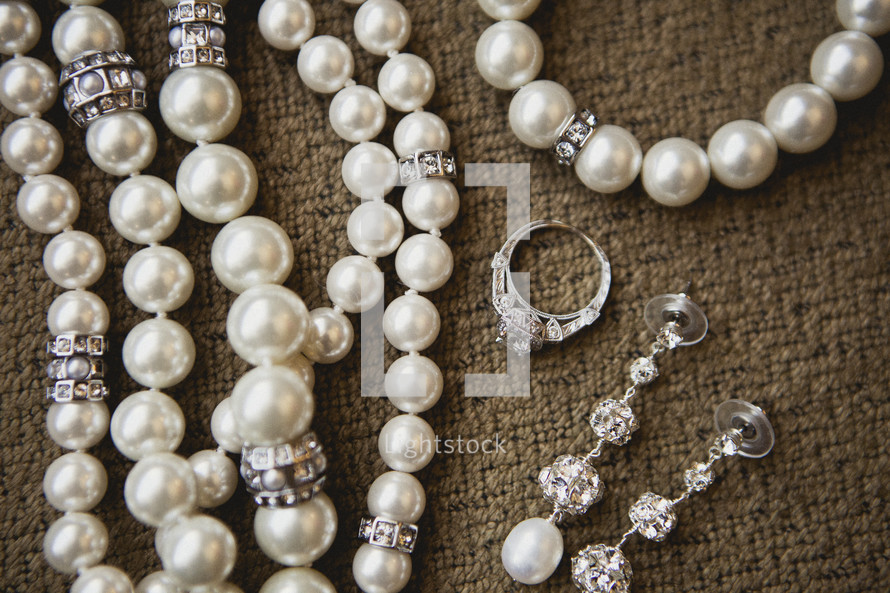Pearls and jewelry