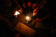 sparklers held together