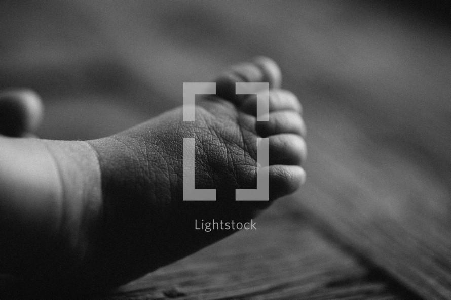 foot of a newborn infant