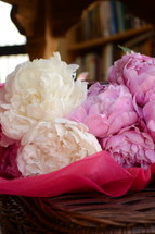 A bouquet of pink and white flowers.