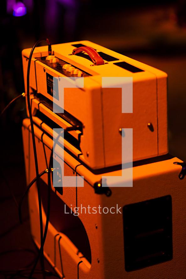 Sound equipment guitar amplifiers