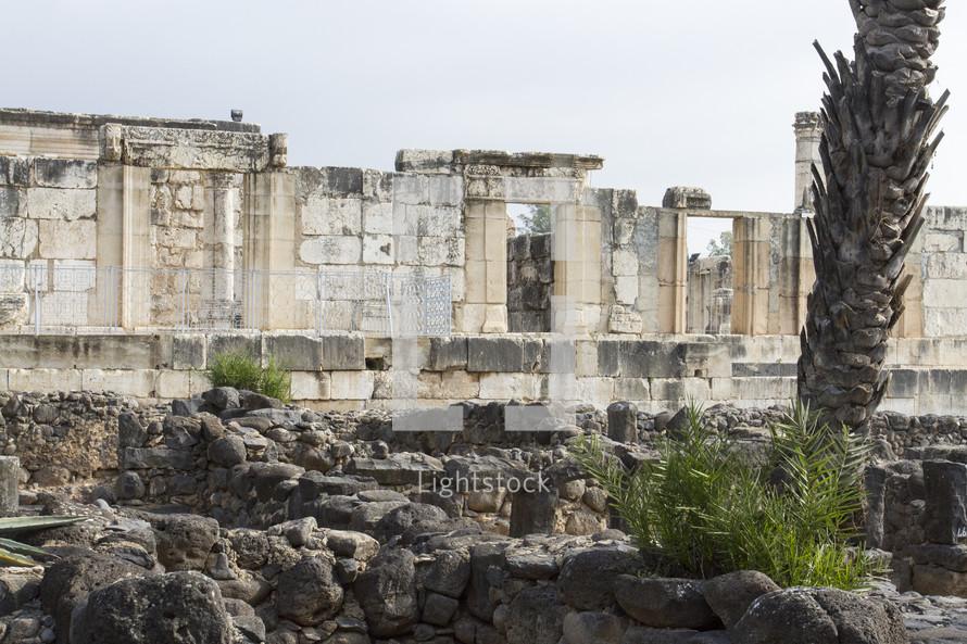 walls of ruins