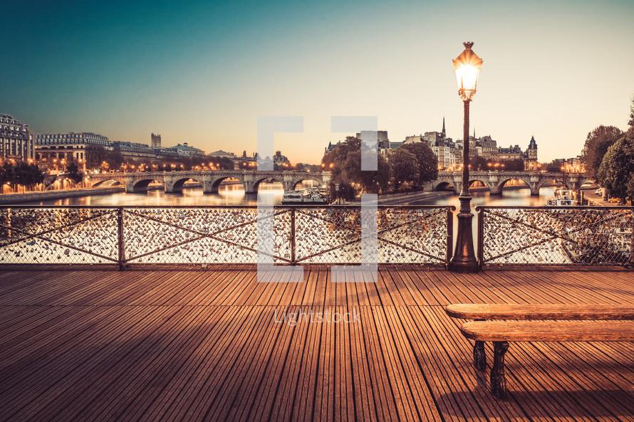 Le Pont Des Art