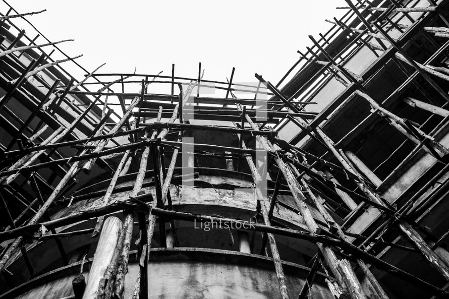 Primitive scaffolding on a decaying building