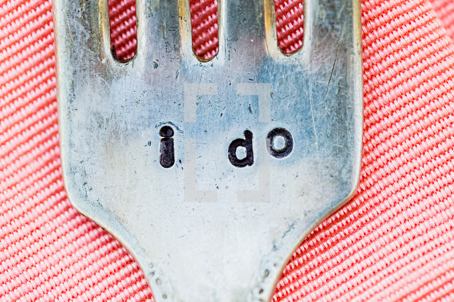 "Fork engraved with ""I Do"""