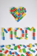 heart shaped blocks and the word mom