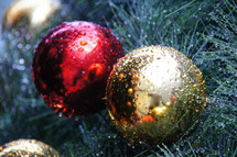 Red and gold Christmas tree decor