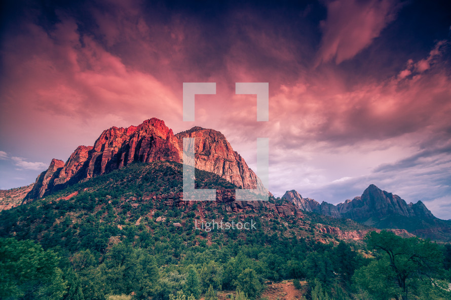 red rock peaks at sunset