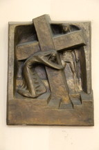 Jesus carrying the cross plaque