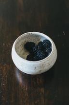 blackberries in a bowl
