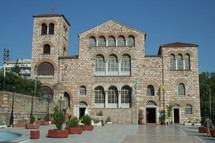 Hagios Demetrios was originally built in the 4th century in Thessaloniki, Greece. It has been rebuilt many times through the centuries with the final rebuild beginning in 1917. The church contains a crypt.