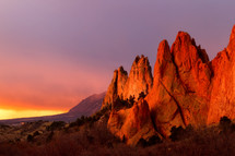 Morning glow on the Garden of the Gods rock formation