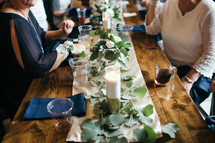 set table at a reception