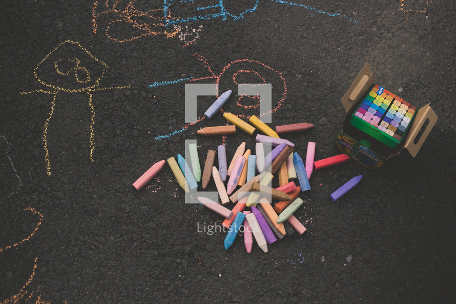 sidewalk chalk and drawings on pavement