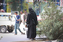 muslim woman on the streets of Yemen