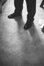 grooms feet