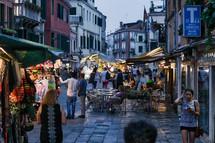 street market vendors in Venice