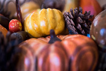pine cones and pumpkins decor