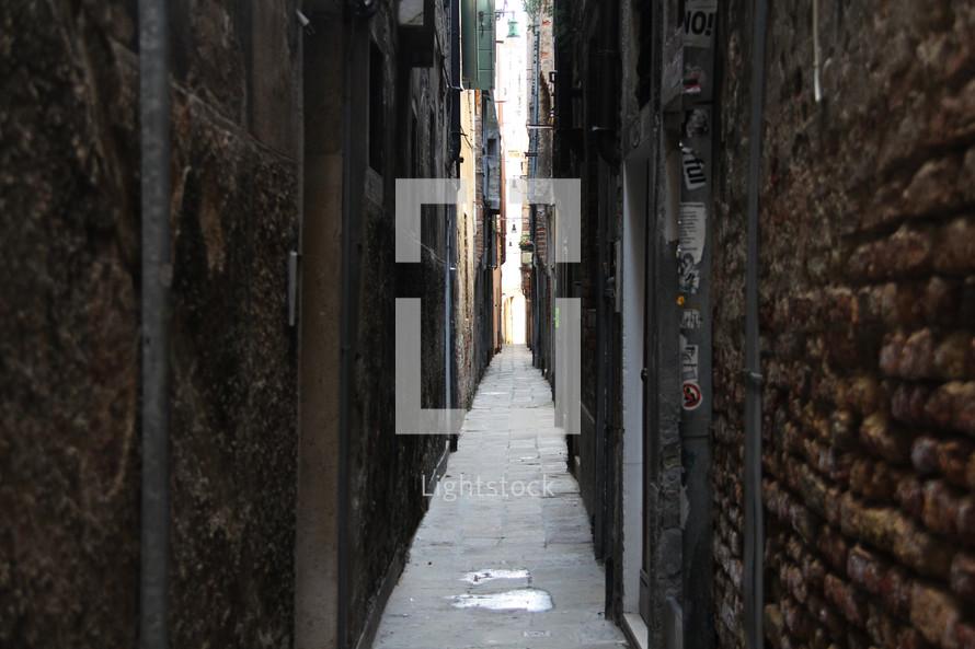 narrow long alley