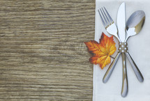 Autumn Thanksgiving Table Setting