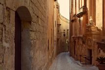 narrow alley in Italy