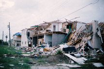 tornando damaged homes